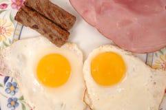Uova, salsiccia e prosciutto Fotografia Stock Libera da Diritti