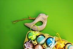 Uova variopinte in una scatola 3 Fotografia Stock Libera da Diritti