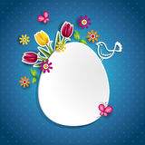 Uovo bianco e fiori Immagine Stock Libera da Diritti