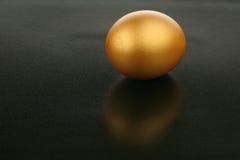 Uovo dell'oro Immagini Stock Libere da Diritti