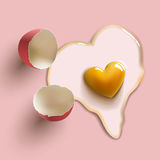 Uovo di forma del cuore Fotografie Stock
