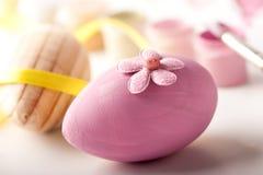 Uovo di legno colorato di Pasqua Immagini Stock Libere da Diritti