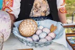 Uovo di Pasqua - armeggiare fatto a mano Fotografia Stock