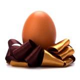 Uovo di Pasqua Con l'arco Fotografie Stock