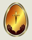 Uovo di Pasqua con la disposizione dell'oro giallo Immagine Stock