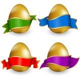 Uovo di Pasqua dell'accumulazione con il nastro Fotografia Stock Libera da Diritti