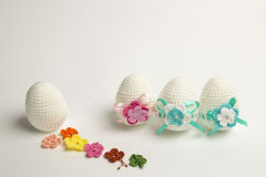 Uovo di Pasqua fatto da filato immagini stock libere da diritti