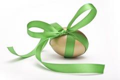 Uovo di Pasqua Legato dal nastro Immagine Stock Libera da Diritti