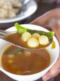 Uovo di pesce del pesce in minestra calda ed acida Fotografia Stock Libera da Diritti