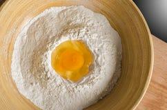 Uovo e farina Fotografia Stock Libera da Diritti