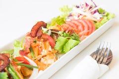 Uovo fritto, salsiccia piccanti di cinese e del bacon Fotografie Stock