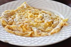 Uovo o omelette o omelette battuta fritta fotografia stock