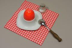 Uovo in portauovo Fotografia Stock