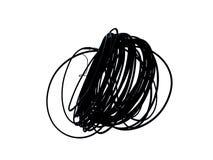Upaćkany staczający się w górę czarnego elektrycznego kabla odizolowywającego na białym tle ilustracji
