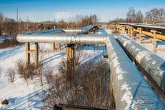 Upał izolacja gorących wod drymby i termiczna magistrala w zimie fotografia royalty free