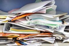 Upa?kany kartoteka dokument i Biurowe dostawy w segregowanie gabinetach obrazy royalty free