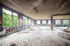 Upaćkany zaniechany fabryczny pokój Zdjęcie Royalty Free