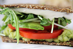 Upclose do sanduíche de Mayo do caju imagem de stock
