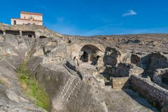 Uplistsikhe, una città roccia-spaccata antica in Georgia orientale, est Fotografie Stock