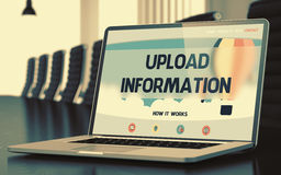 Upload informacja na laptopie w sala konferencyjnej 3d Ilustracja Wektor