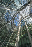 Uppåtriktad sikt inom av den CityPoint skyskrapan, London UK Royaltyfri Bild