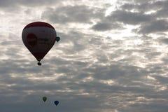 Upp i luften Arkivbild