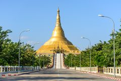 Uppatasanti pagod, Nay Pyi Taw, Myanmar arkivfoto