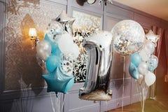 Uppblåsbar ballon för stor closeup i form av ett nummer ett Royaltyfria Foton