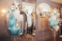 Uppblåsbar ballon för stor closeup i form av ett nummer ett Arkivbild
