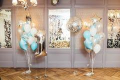 Uppblåsbar ballon för stor closeup i form av ett nummer ett Royaltyfria Bilder