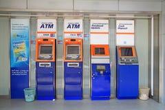 Uppdatering för Bangkok bank ATM, bankbokoch kontant insättning Fotografering för Bildbyråer