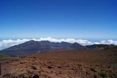 Uppe på av den Haleakala vulkan i Maui Hawaii arkivbilder