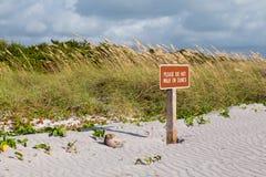 Uppehället av dyner undertecknar i Florida Royaltyfria Bilder