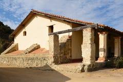 Uppehållbyggnad på den LaPurisima beskickningen Arkivfoton
