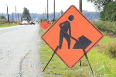 Uppemot tecken för vägkonstruktion Royaltyfria Bilder