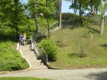 Uppför trappan i parkera Royaltyfria Foton