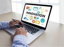Uppfinner idérika idéer för INNOVATIONfunderare idérika proces för kunskap Arkivfoton