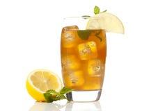 Uppfriskande Iced Tea med citronen Royaltyfri Foto