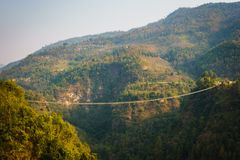 Upphängningbro i Nepal Royaltyfria Bilder