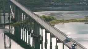 Upphängningvägbro i Tjeldsundbrua arkivfilmer