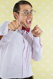Upphetsad Geek som pekar på dig Royaltyfri Bild