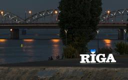 Upplysande tecken av den Riga staden, Lettland Arkivbilder