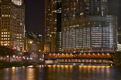 Upplyst Chicago Royaltyfria Bilder