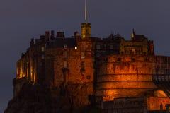 Upplyst Edinburgslott, Skottland, UK arkivbilder