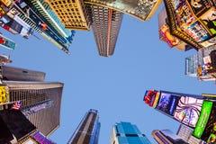 Upplysta byggnader på Times Square Arkivfoton
