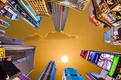 Upplysta byggnader på Times Square Arkivbilder