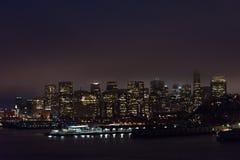 Upplysta San Francisco, Kalifornien Royaltyfri Foto