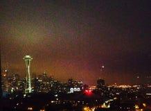 Upplysta Seattle Royaltyfri Fotografi