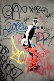 Uppnosiga parisiska grafitti Arkivfoton