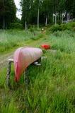 Uppochnervänd kanot royaltyfri foto